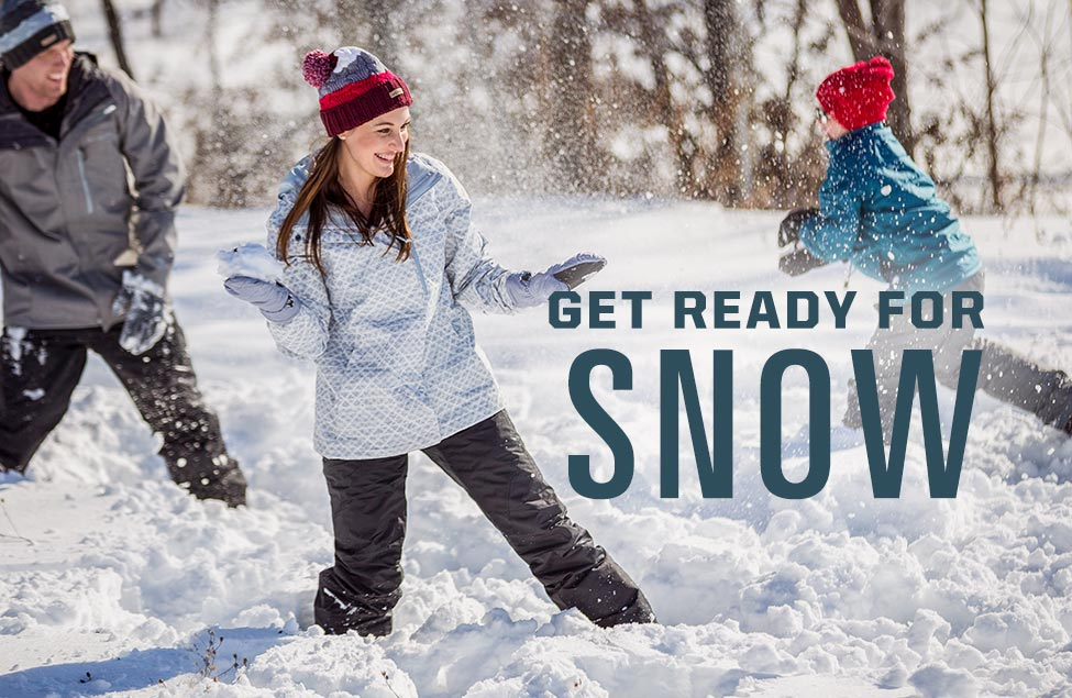 Get Ready For Snow, Family having a snowball fight